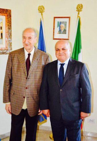 Il prof. Renato Mastrostefano con il Sindaco Maurizio Caliciotti