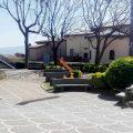 Il giardino di fronte al Comune di Lariano è pronto al restyling