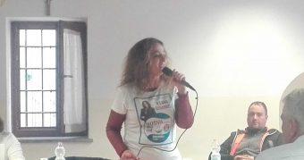 Ileana Serangeli (quasi) come Salvini: al Centro Anziani con la maglietta della lista