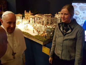 """Da Papa Francesco il presepe dei """"Ragazzi del centro storico"""" di Artena"""