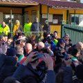 """VIDEO – Colleferro, lucchetto tricolore chiude Colle Fagiolara. Sanna: """"Inizia il post-mortem"""""""