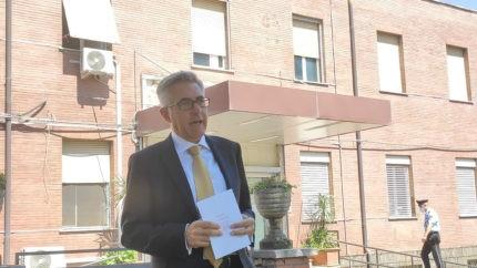 """Giorgio Giulio Santonocito (DG Asl Roma 5) davanti all'Ospedale """"Coniugi Bernardini"""" di Palestrina"""