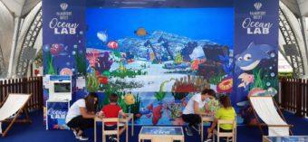 """Così i disegni prenderanno vita: la piazza del Valmontone Outlet diventa """"Ocean Lab"""""""